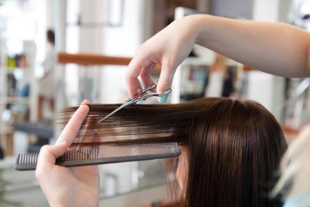 Que tal dar uma retocada no visual? Descubra quais são os melhores cortes de cabelo feminino da moda para cada formato de rosto.