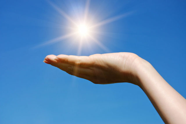 A vitamina D contribui para a saúde dos ossos, órgãos, evita doenças e muito mais! Saiba como obtê-la e garanta mais qualidade de vida.