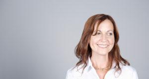 Depois da menopausa, o corpo feminino vai se adaptando com a queda nos níveis hormonais. Essa fase é a Pós-menopausa, viva ela com bem-estar.