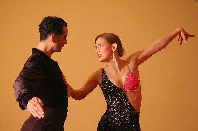 como-a-danca-pode-te-ajudar-na-menopausa