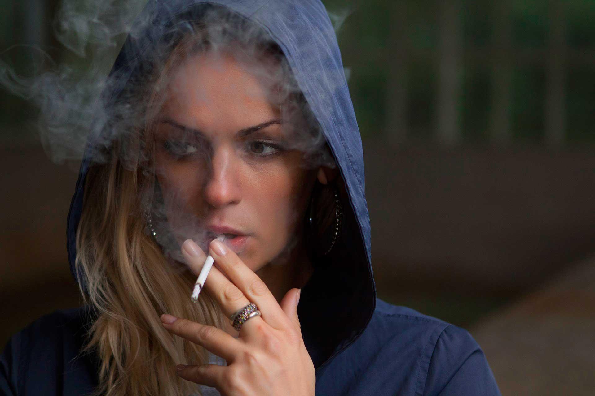 cigarro-mulher
