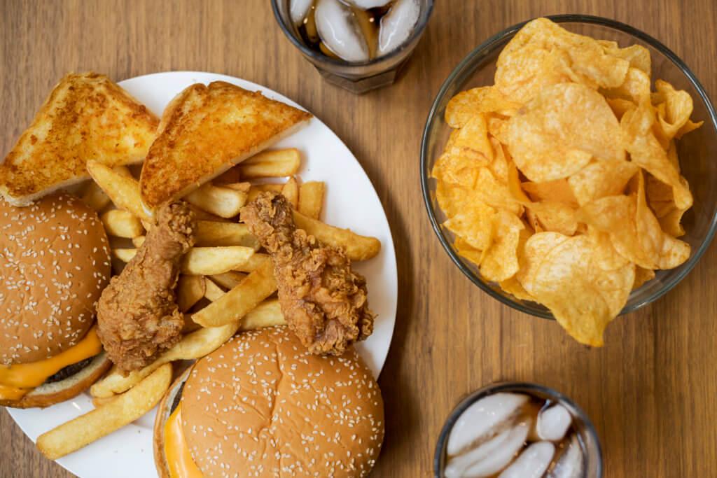 Alguns exemplos de alimentos com gordura trans